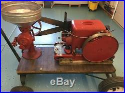 1943 Hit & Miss Engin, International Harvestor- LBB31489, Dempster Corn Grinder
