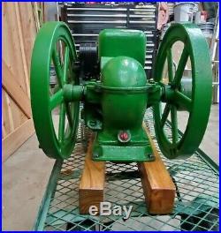 Antique 1929 Antique John Deere 1-1/2 HP Hit & Miss Gas Engine