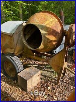 Antique Cement Mixer Hit & Miss Engine