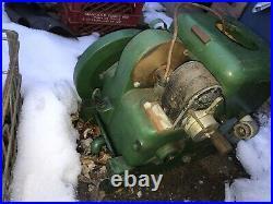 Antique Fairbanks Morse Model Z Gas Engine 1.5 H. P. Style D Liberty Magneto