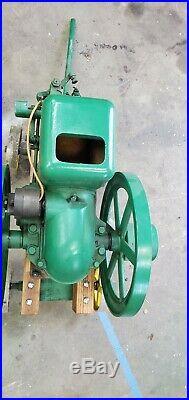 Antique John Deere 1-1/2 HP Hit & Miss Gas Engine