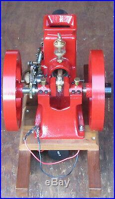Beautiful Running Machined Hit Miss Olds Model Gas Engine 9 Flywheels