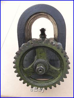 GOOD IHC MOGUL LOW TENSION MAGNETO WITH GEAR HIT AND MISS ENGINE