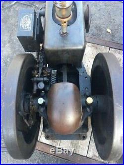Lauson 1 1/2 HP Hit Miss Gas Engine. Nice. Original