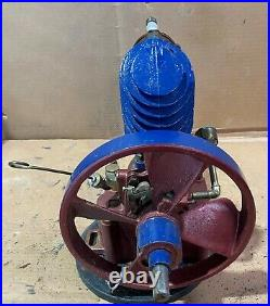 Maytag Magneto Upright Gas Engine Hit & Miss SN# Red & Blue