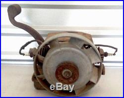 Running 1939 Maytag Model 72 Gas Engine Motor Hit & Miss Twin Cylinder Antique