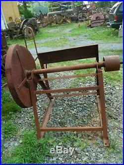 Vintage Flat Belt Driven Saw MILL Tractor Hit Or Miss Gas Engine Old Motor
