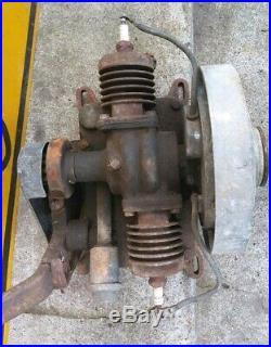 Vintage Maytag 72-D Twin Cylinder Hit & Miss Engine